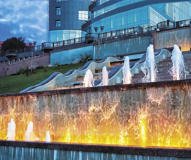 Тут много красивых фонтанов.