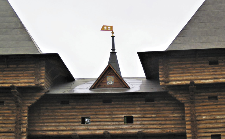 Дмитров знаменит своим кремлем и деревянными постройками.