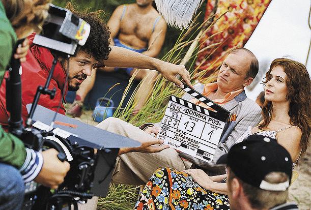 С латвийским актером Иварсом Пуги- ной на съемках «Долины роз».