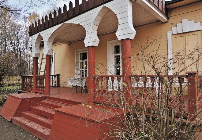 Мелихово – одно из тех мест, где туристы знакомятся с историей жизни Чехова.
