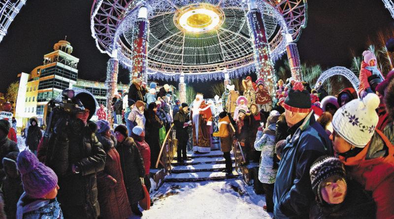 Совсем скоро на свой ежегодный съезд в Ханты-Мансийске соберутся Деды Морозы и Снегурочки со всей России – и праздник начнется!