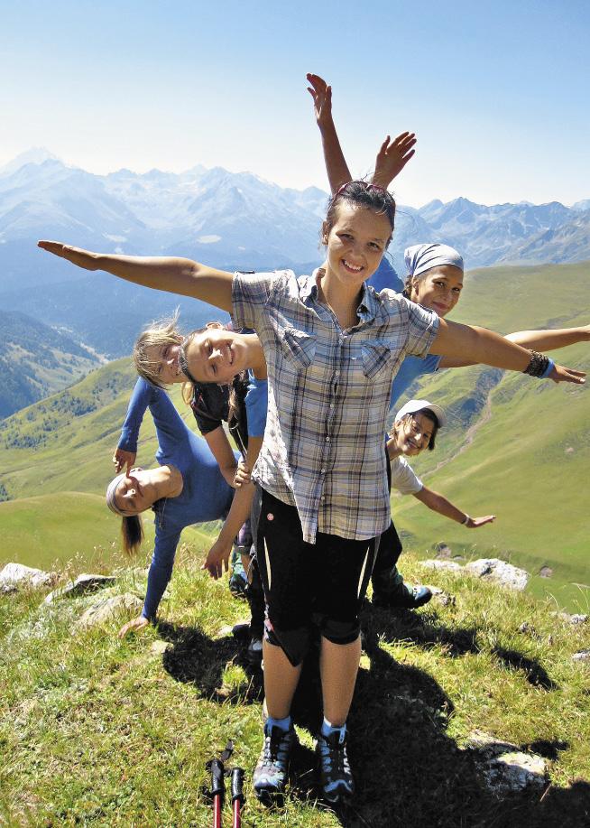 Туристический клуб Приморского района «СКИФ» занботится о воспитани подрастающего поколения.