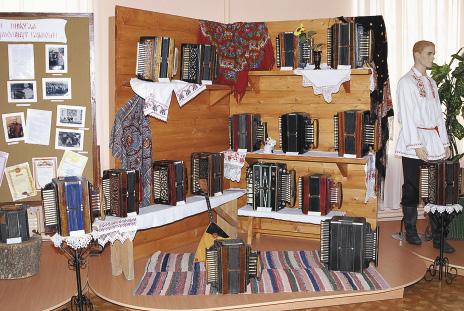 Музей народных ремесел и промыслов хранит традиции мастеров.