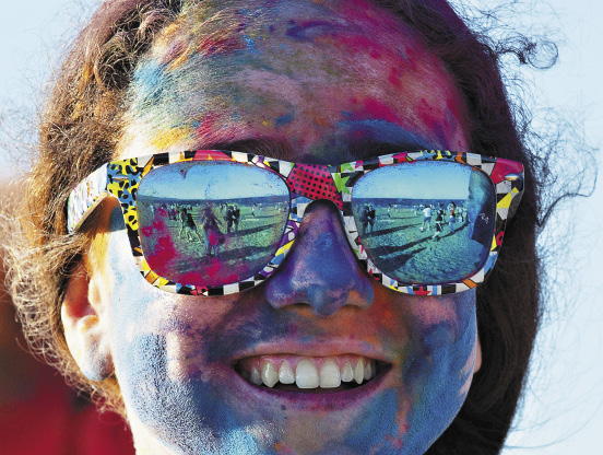 Фестиваль красок в Феодосии – это прикольно!