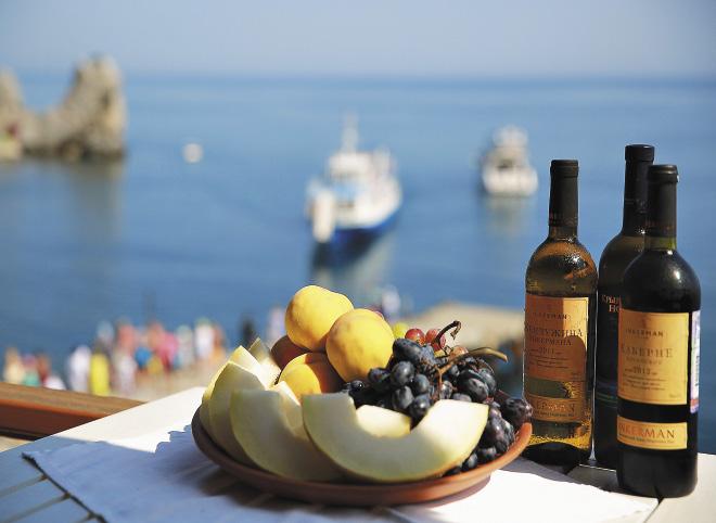 Море, солнце, вино и свежие фрукты – это Ялта!